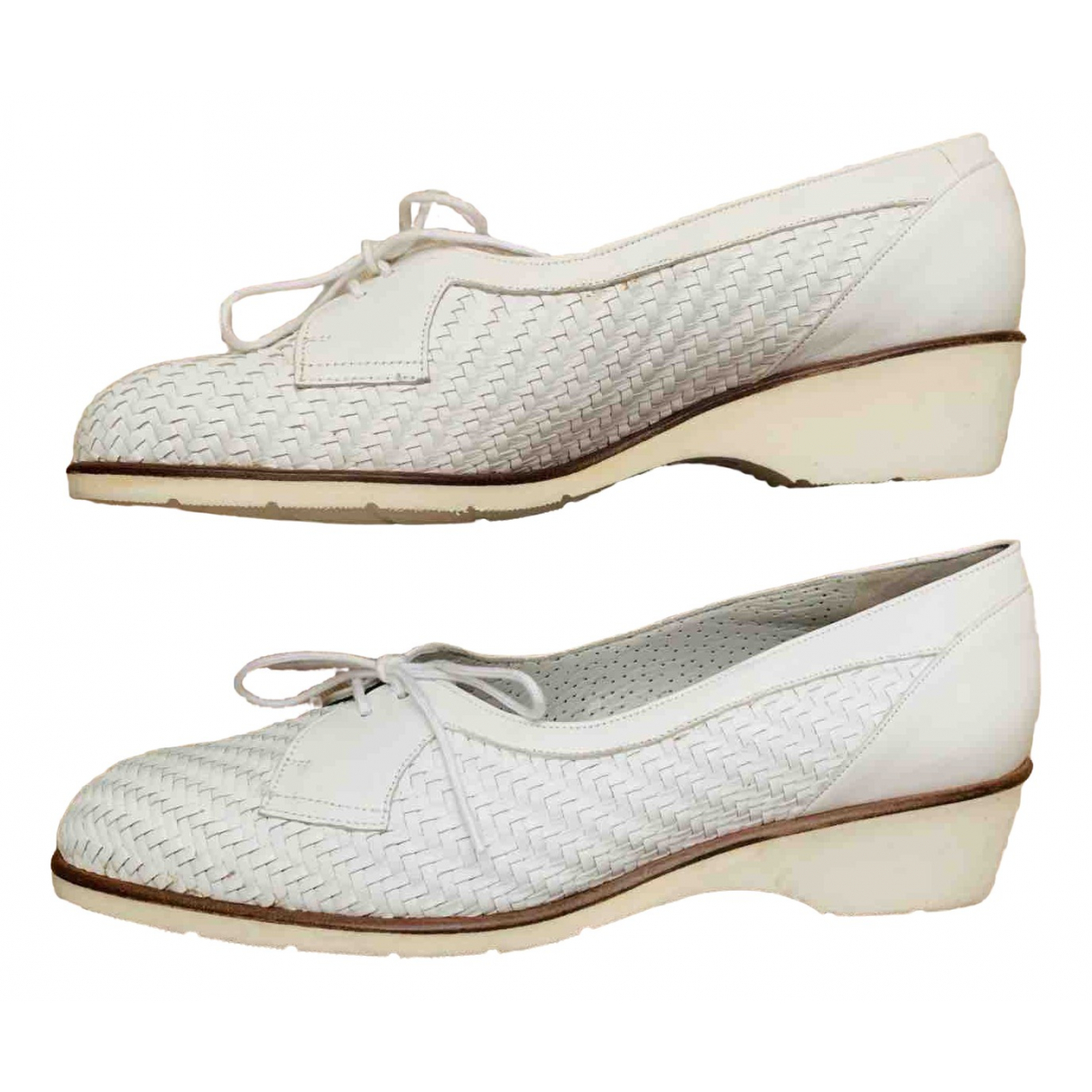 Bally \N White Leather Flats for Women 5 UK