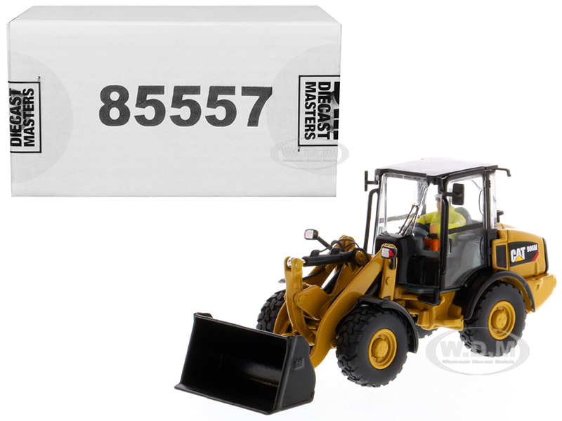 CAT Caterpillar 906M Compact Wheel Loader with Operator