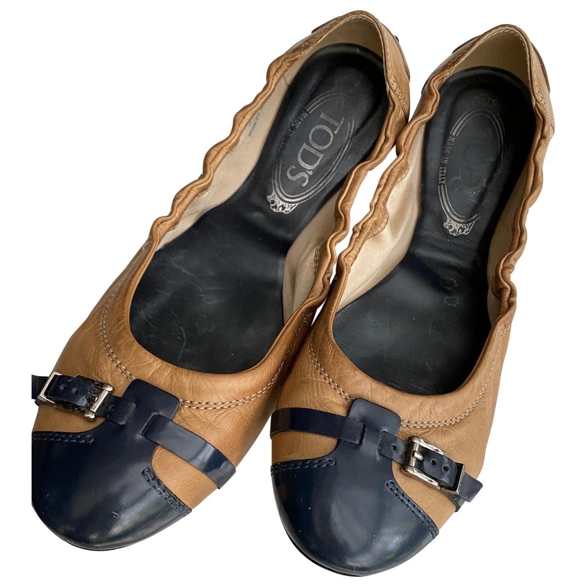 Tods \N Ballerinas in  Kamel Leder