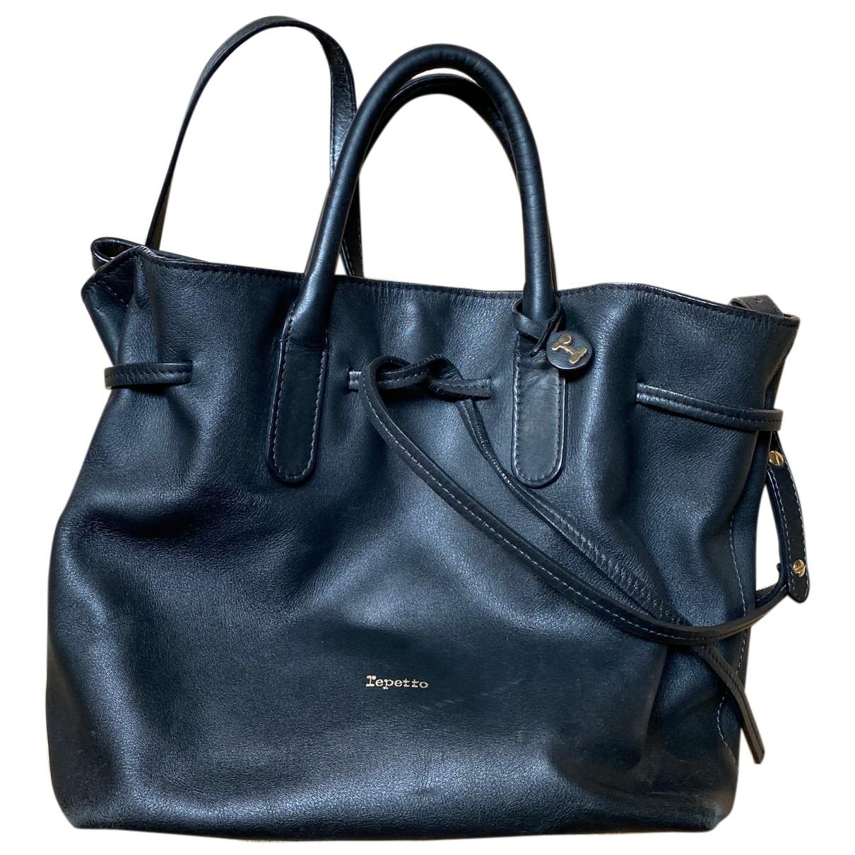 Repetto \N Handtasche in  Schwarz Leder