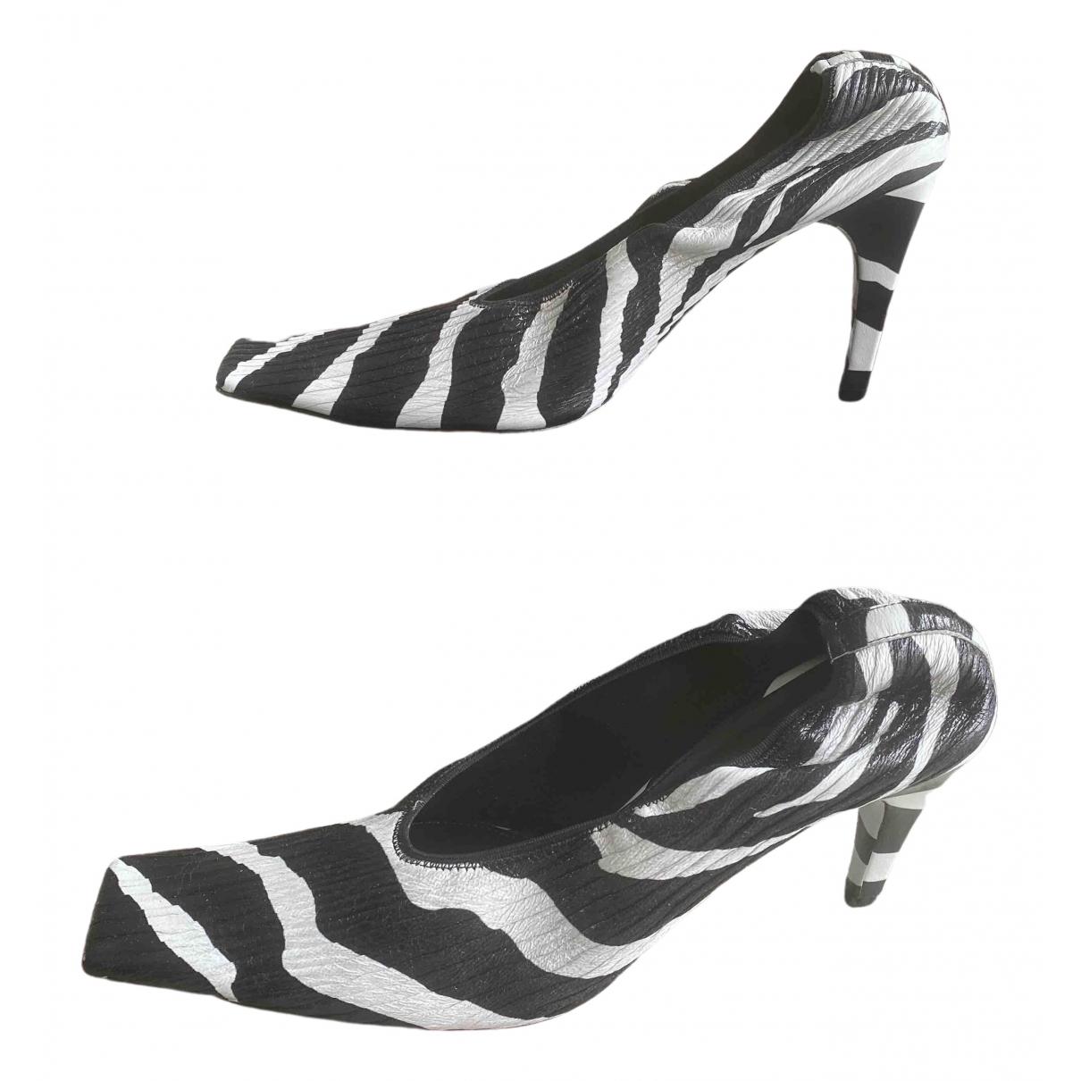 Bottega Veneta Almond Multicolour Leather Heels for Women 39 EU