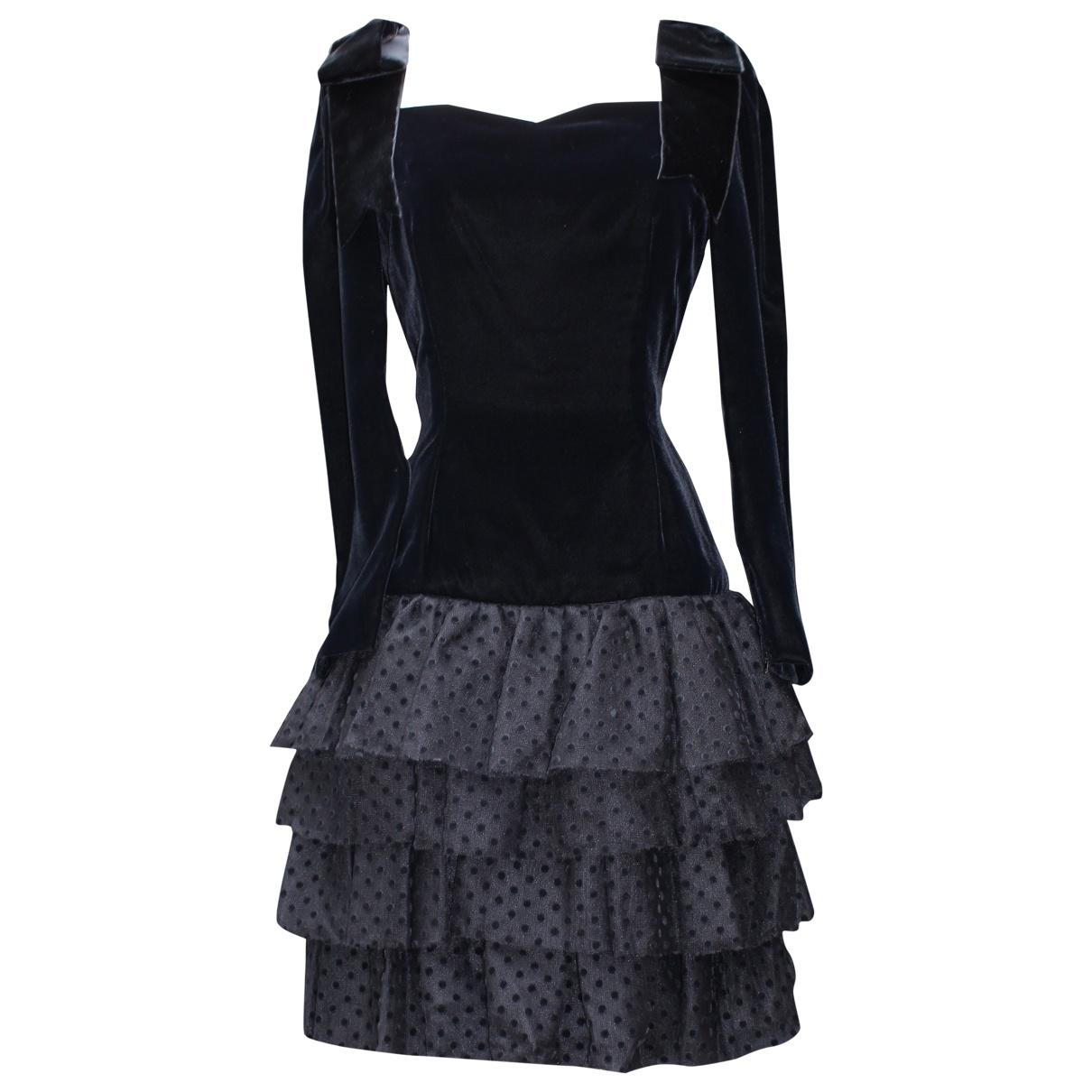 Jean-louis Scherrer \N Black Velvet dress for Women 38 FR