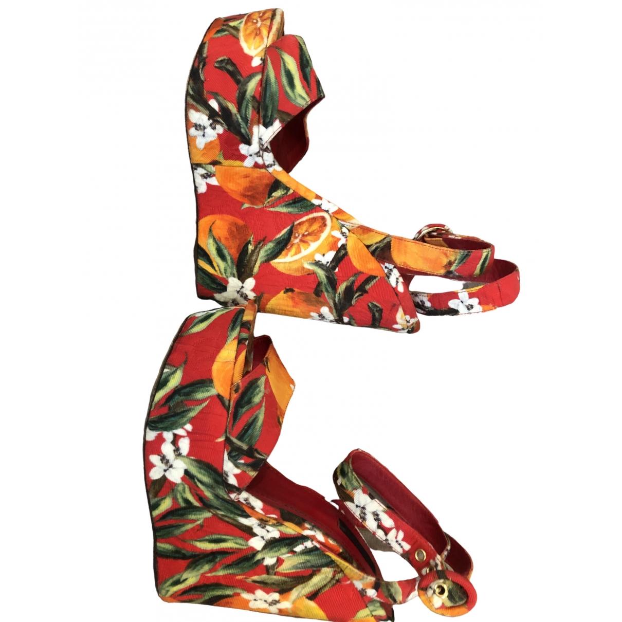 Dolce & Gabbana \N Sandalen in  Rot Leinen