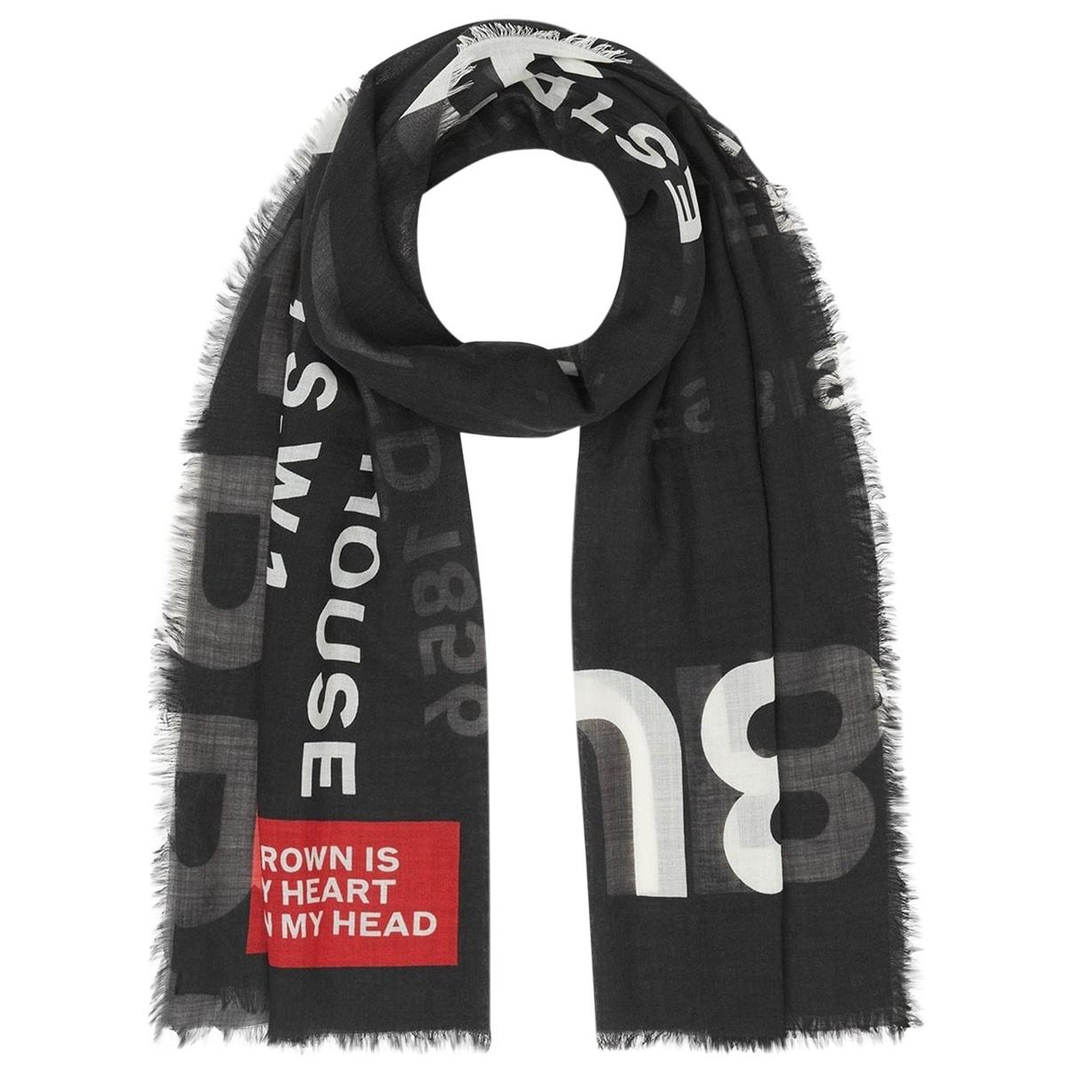 Burberry \N Black Wool scarf for Women \N