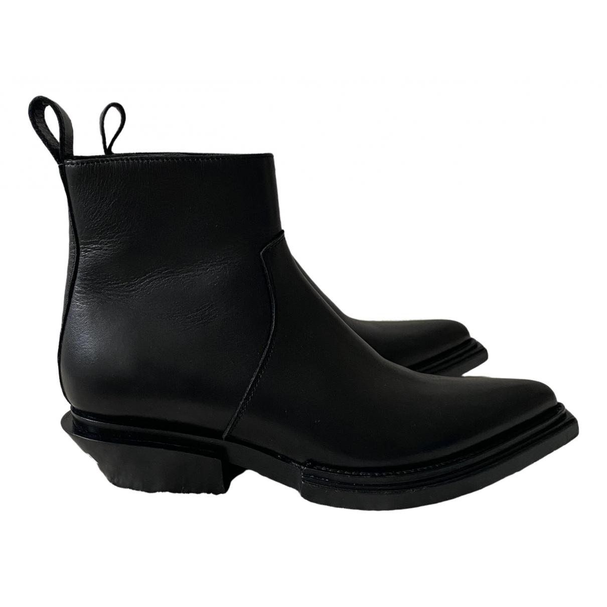 Balenciaga \N Stiefeletten in  Schwarz Leder