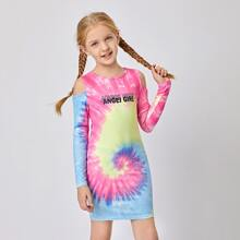 Vestido de tie dye con estampado de letra de hombros descubiertos