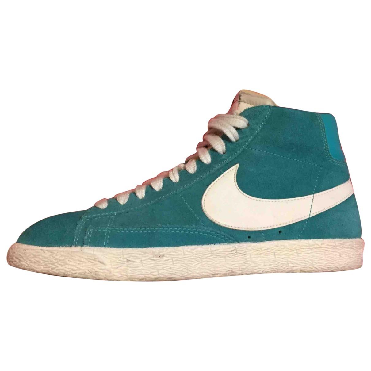 Nike Blazer Sneakers in  Tuerkis Veloursleder