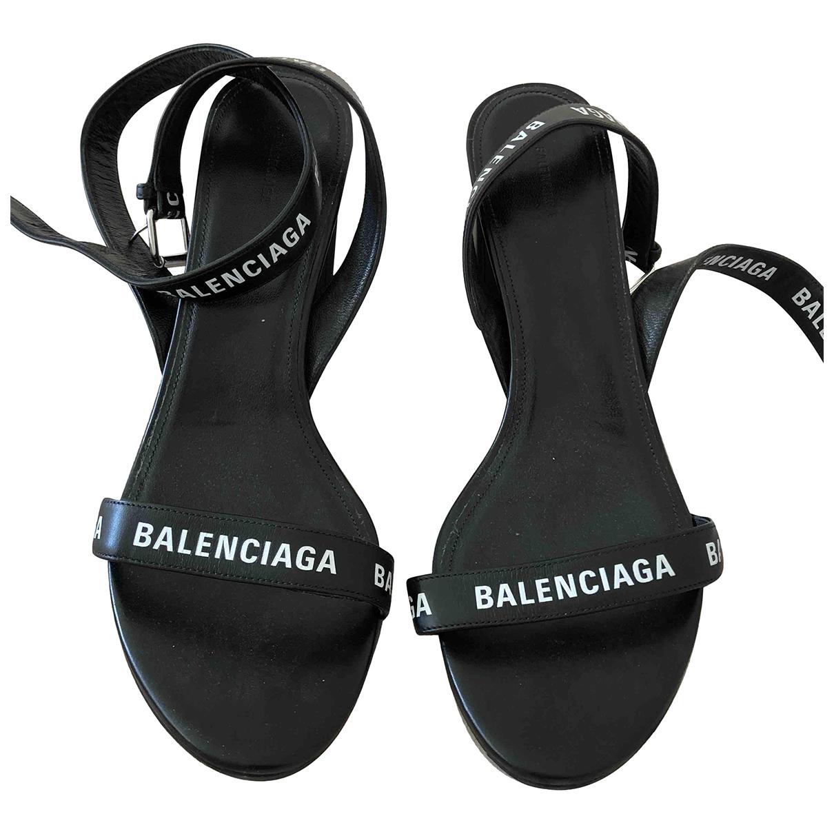 Balenciaga \N Sandalen in  Schwarz Leder