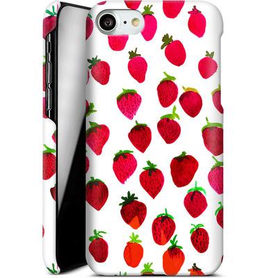 Apple iPhone 7 Smartphone Huelle - Strawberries von Amy Sia