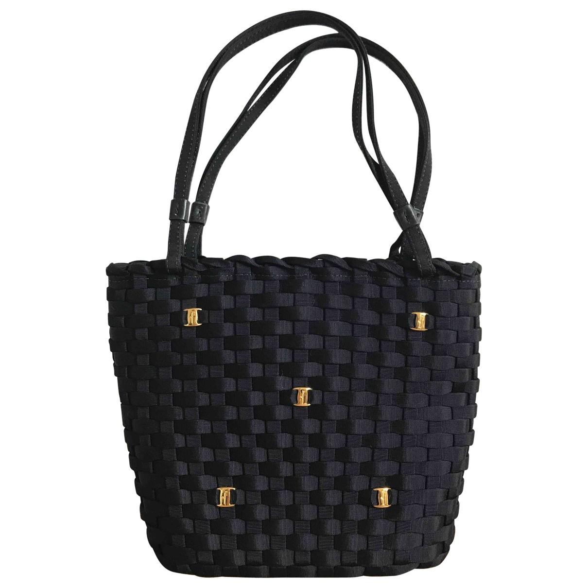 Salvatore Ferragamo \N Navy Cloth handbag for Women \N