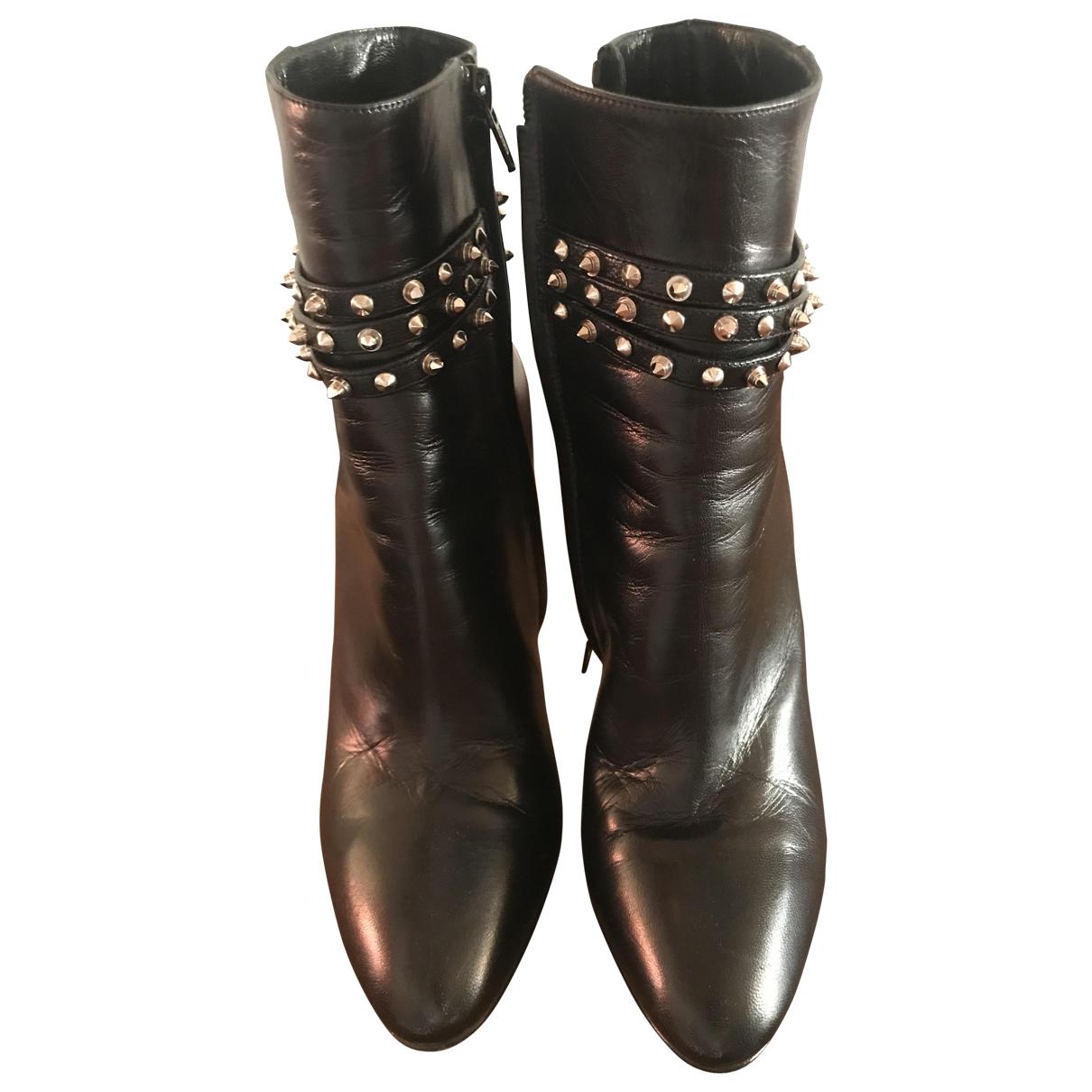 Saint Laurent \N Black Leather Ankle boots for Women 38 EU