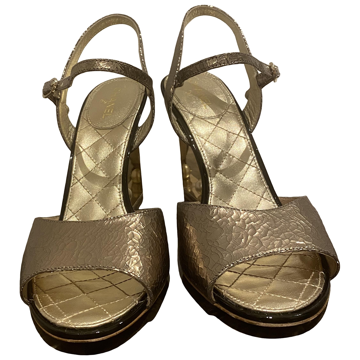 Chanel \N Gold Leather Sandals for Women 41 EU