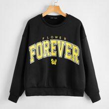 Pullover mit sehr tief angesetzter Schulterpartie und Schmetterling & Buchstaben Grafik