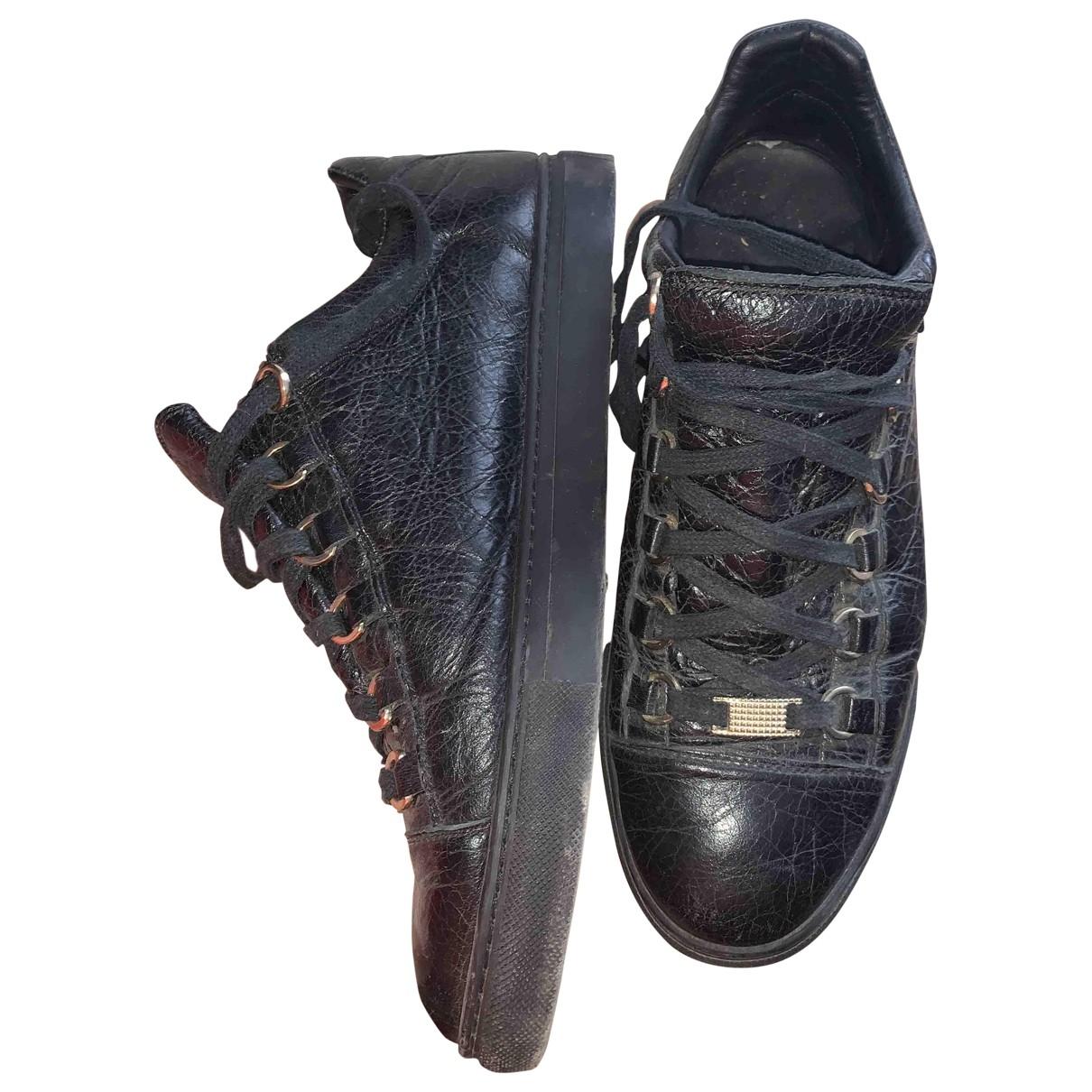 Balenciaga Arena Sneakers in  Schwarz Leder