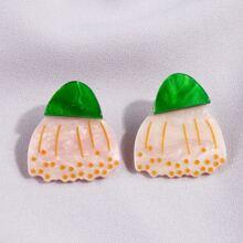 Geometrische formige Ohrringe mit Farbblock