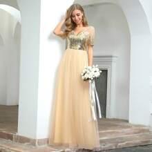 Kleid mit Kontrast Pailletten und Netzstoff