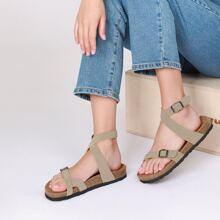 Sandalen mit Riemen, Zehenring und Kork Fussbett
