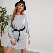 Vestido sudadera con cinturon de hombros caidos