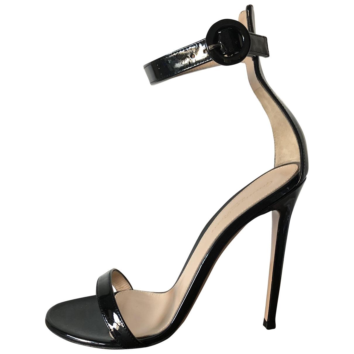 Gianvito Rossi - Sandales Portofino pour femme en cuir verni - noir