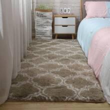 Geometric Pattern Plush Carpet