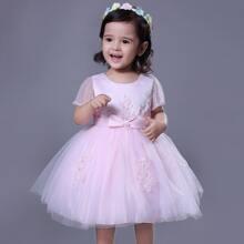 Kleinkind Maedchen Kleid mit Schleife und Perlen