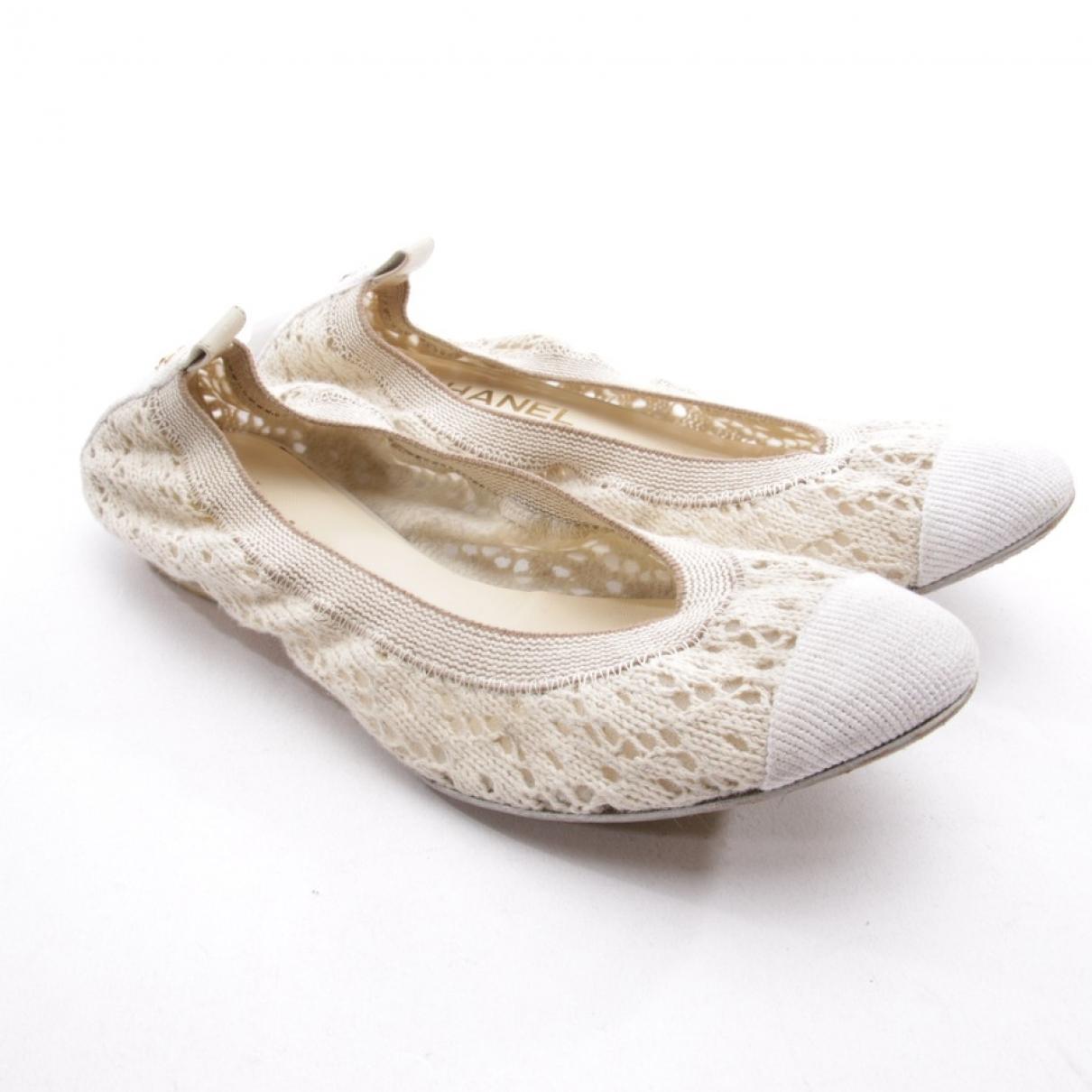 Chanel \N Ballerinas in  Ecru Leinen