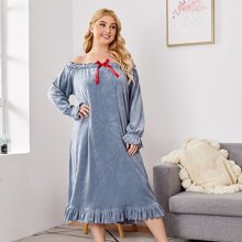 Samt Kleid mit Rueschenbesatz und Schleife vorn