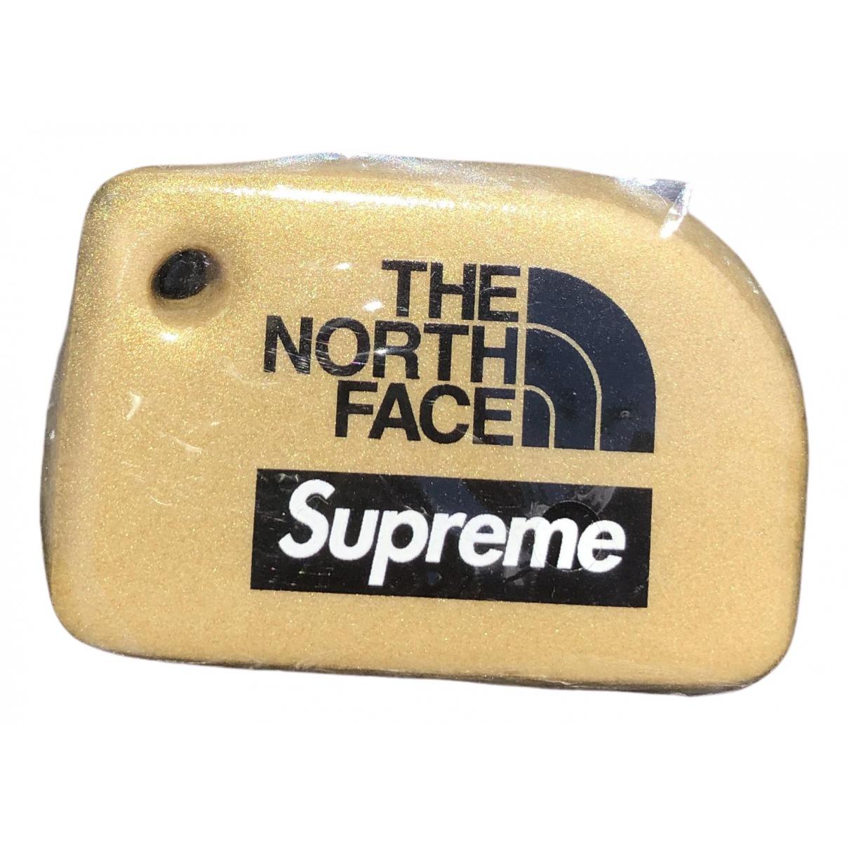 Supreme X The North Face - Bijoux de sac   pour femme - dore