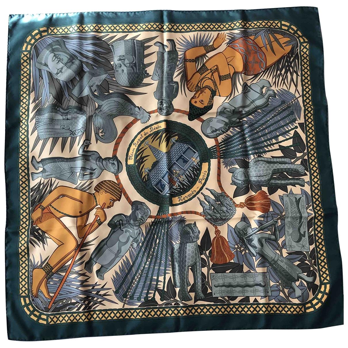 Hermès Carré 90 Khaki Silk Silk handkerchief for Women \N