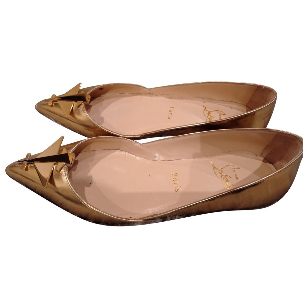 Christian Louboutin \N Gold Patent leather Ballet flats for Women 36 EU