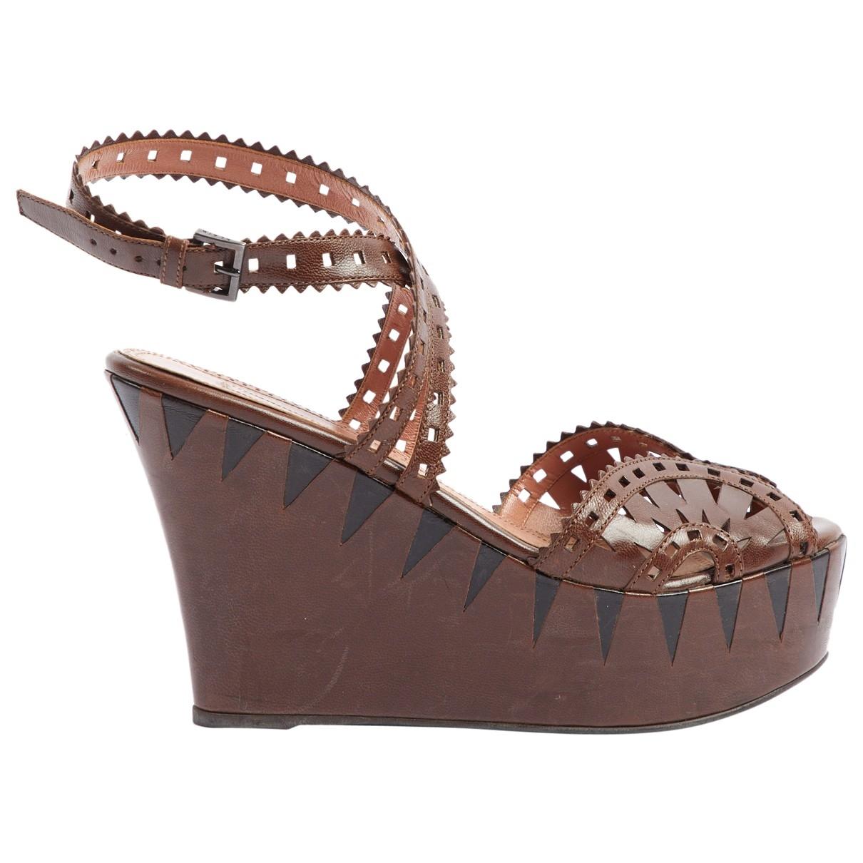 Alaia - Sandales   pour femme en cuir - marron
