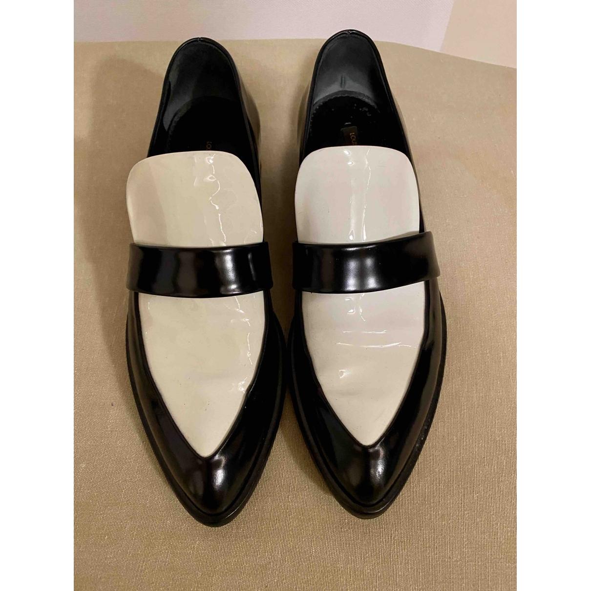 Louis Vuitton \N Black Leather Flats for Women 38 EU