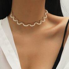 Collar con perla artificial