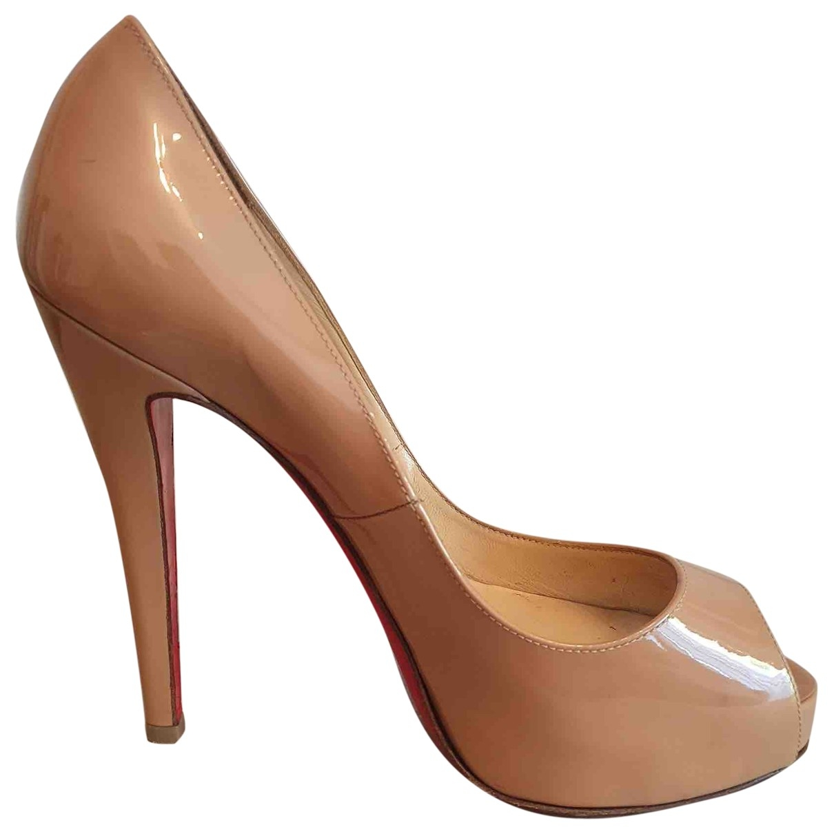 Christian Louboutin Very Prive Pumps in  Beige Lackleder