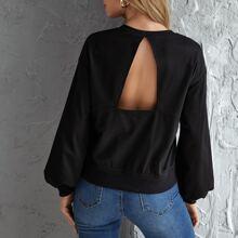 Einfarbiger Pullover mit Laternenaermeln und Ausschnitt hinten