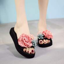 Floral Decor Open Toe Sliders