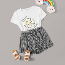 Maedchen T-Shirt mit Blumen, Buchstaben Muster und Shorts Set mit Karo Muster