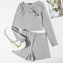 Crop Top mit V-Kragen, gekraeuseltem Saum & Shorts Set