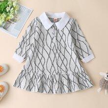 Tweed Kleid mit Kontrast Kragen und Rueschenbesatz