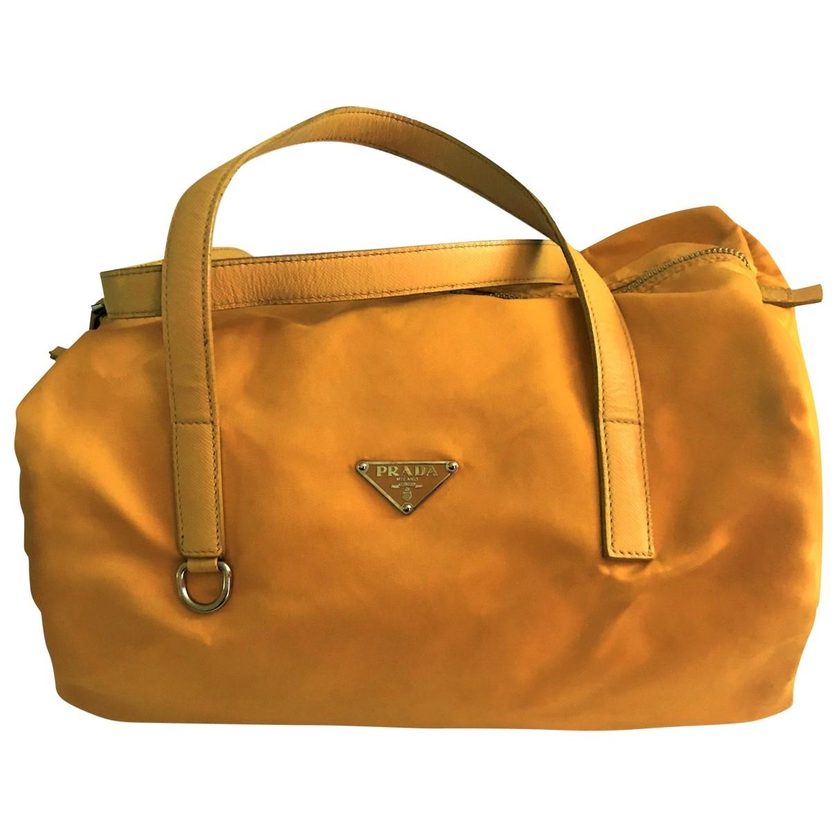 Prada \N Handtasche in  Gelb Leinen