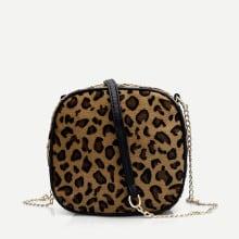 Bolsa cruzada con cadena con estampado de leopardo