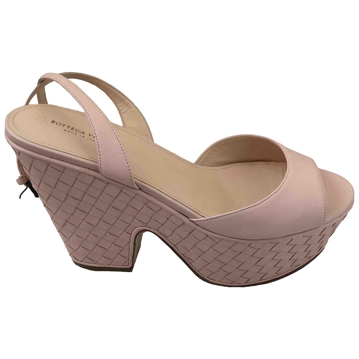 Bottega Veneta - Sandales   pour femme en cuir - rose