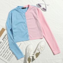 Camiseta de color combinado con boton delantero