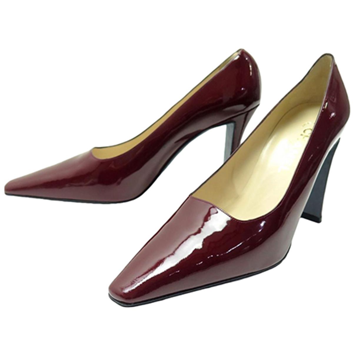 Chanel - Escarpins   pour femme en cuir verni - rouge