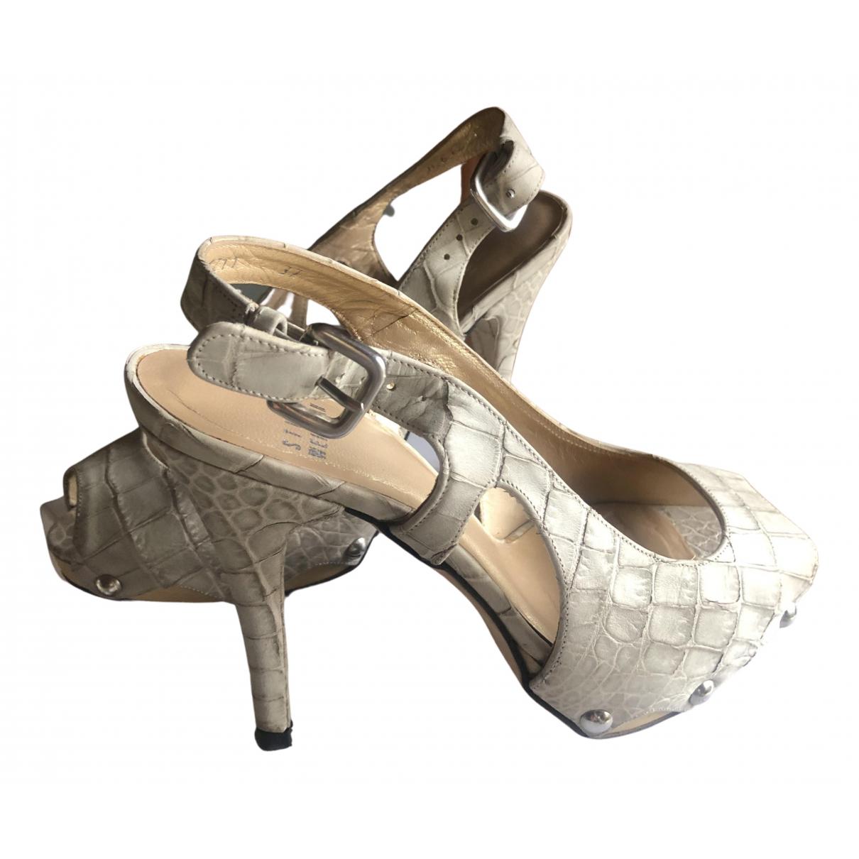 Stuart Weitzman N Grey Leather Heels for Women 38 EU