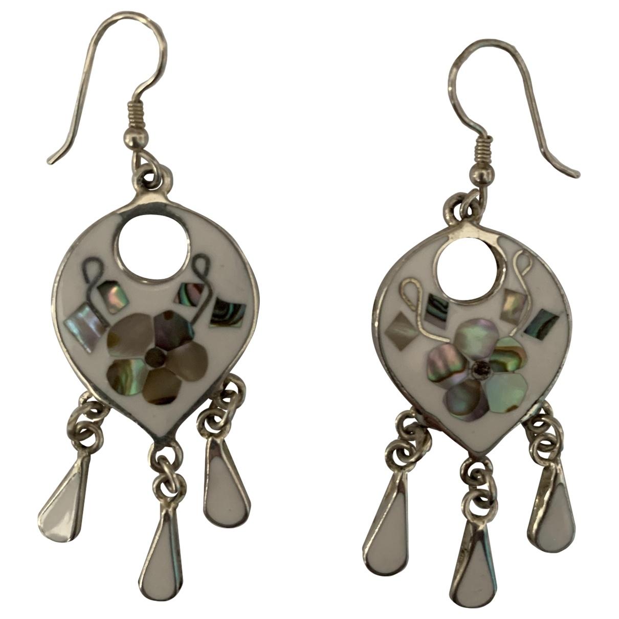 - Boucles doreilles Motifs Floraux pour femme en metal - blanc