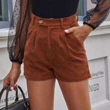Einfarbige Kord Shorts mit schraegen Taschen
