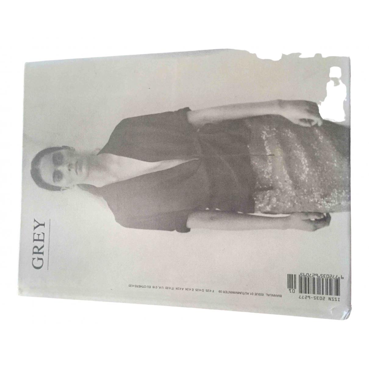 Thrasher Magazine \N Mode Grau