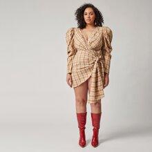Kleid mit Band vorn, Gigot Ärmeln, Wickel Design und Karo Muster