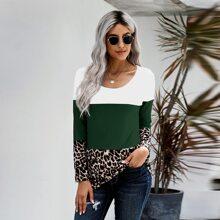 T-Shirt mit Leopard Muster, Farbblock und Kontrast Spitze